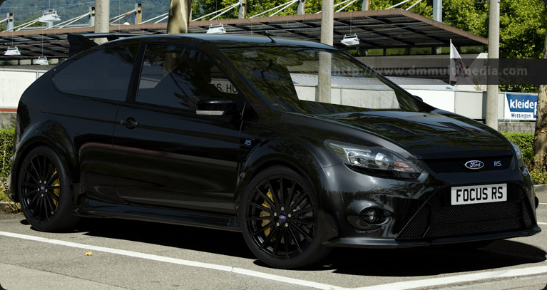 Ford Focus MK2 in Gloss Black